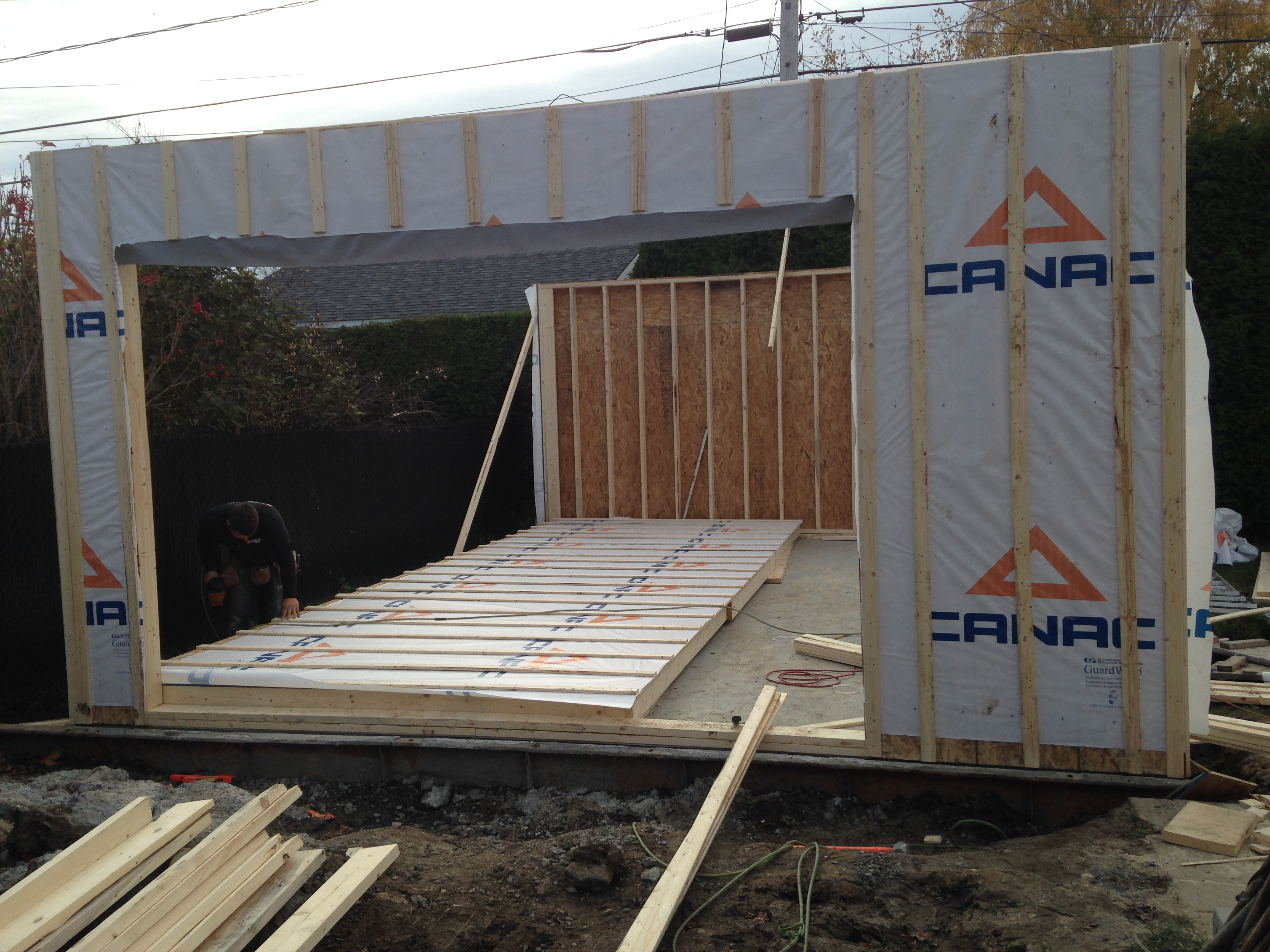 Faire construire garage maison moderne for Construction mur exterieur quebec